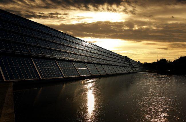 Energia solar funciona à noite?